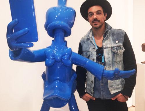 O Artista Fidia em sua exposição no CONTEXT 2016